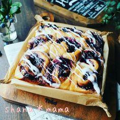 ブルーベリーとクリームチーズのぐるぐるちぎりパン♪ Shokupan Recipe, No Bake Desserts, Dessert Recipes, Bread Recipes, Cooking Recipes, Scones, Waffles, Sandwiches, Food And Drink
