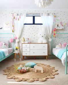 Kids shared bedroom / Habitación infantil compartida