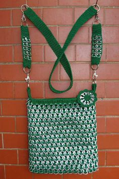 Soda Tab Crafts, Can Tab Crafts, Crafts To Make And Sell, Crochet Handbags, Crochet Purses, Pop Top Crafts, Pop Can Art, Pop Tab Purse, Soda Can Tabs