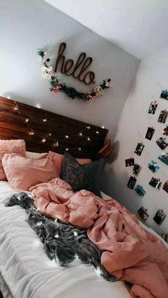 Cute teen bedroom hello lights pink photos on wall Teen Room Decor Ideas Bedroom cute Lights photos pink Teen wall Teen Room Decor, Room Ideas Bedroom, Diy Bedroom, Bedroom Themes, Bedroom Inspo, Bedroom Decor For Teen Girls, Cozy Teen Bedroom, Young Adult Bedroom, Design Bedroom