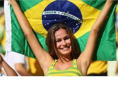 Svetsko prvenstvo u fudbalu - može da počne! Svetsko prvenstvo u fudbalu, FIFA World Cup 2014 upravo počinje - posle godina čekanja i više od pet godina priprema, 11,6 milijardi dolara uloženog novca, protesta i kontroverzi koje su pratile pripreme, prvenstvo može da počne!