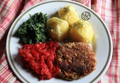 EkoEksperymenty: Kotlet a'la mielony, ziemniaki z koperkiem, buraczki i szpinak, czyli obiad z resztek.