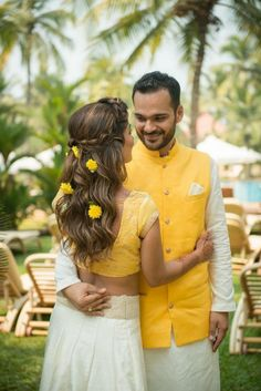 Looking for Matching bride and groom mehendi look with genda phool in hair? Browse of latest bridal photos, lehenga & jewelry designs, decor ideas, etc. on WedMeGood Gallery. Open Hairstyles, Romantic Hairstyles, Wedding Hairstyles, Mehndi Hairstyles, Bridal Bun, Bridal Braids, Bridal Hairdo, Bridal Makeup, Princess Braid