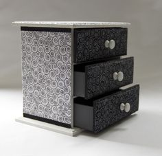 Mini Cômoda - Comprar em Pietro Artesanatos Filing Cabinet, Storage, Furniture, Home Decor, Long Dresser, Handmade Crafts, Purse Storage, Decoration Home, Room Decor
