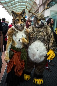 Amazing Fox & Horned Owl cosplay at SDCC - best furries I've ever seen!
