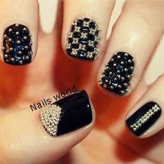 This edgy look look may be a challenge, but it's so worth it #NailsArt <3
