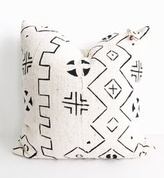 Authentic African mudcloth cover 20x20 (INSERT NOT INCLUDED)  * Pattern repeat…