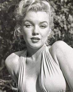Marilyn Monroe by Bob Berryman, Marilyn Monroe Kunst, Marilyn Monroe Portrait, Marilyn Monroe Photos, Vintage Hollywood, Classic Hollywood, Actrices Hollywood, Norma Jeane, Look At You, Hollywood Actresses