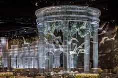 Italian artist Edoardo Tresoldi recently unveiled this enormous installation of translucent architectural elements built from wire mesh in Abu Dhabi. Design Lab, Pop Design, Design Concepts, Sketch Design, Graphic Design, Abu Dhabi, Colossal Art, Wire Mesh, Italian Artist