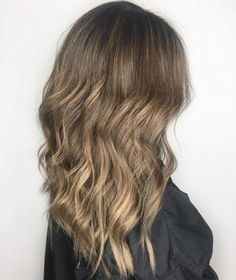36 Light Brown Hair Colors That Are Blowing Up in 2019 - Style My Hairs Hair Color Dark, Brown Hair Colors, Dark Hair, Blonde Hair, Balayage Color Castaño, Balayage Hair, Latest Hairstyles, Bob Hairstyles, Langer Bob Ombre
