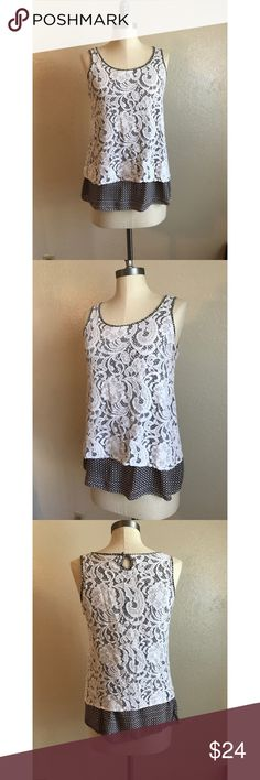 ❤️Mystree Lace Tank❤️ Excellent condition. Size small. Material: 100% cotton. Measurements: length: 22 1/2 inches, bust: 16 inches. Mystree Tops Tank Tops