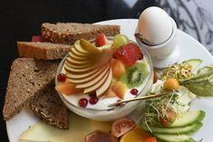 Ob gemütlicher Brunch, à la carte oder klassisch französisch mit schlichtem Café noir und Croissant: Unsere Tipps für einen perfekten kulinarischen Start in den Tag.