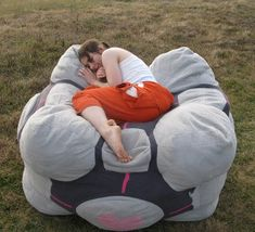 So much want (no where to put it, but want!) a companion cube bean bag bed.