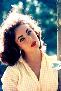 Elizabeth Taylor photographed by Bob Willoughby, 1957.
