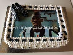 Torta Juventus con Cialda di Paul Pogba   http://www.latavolozzadeisapori.it/ricette/torte-di-compleanno/torta-juventus-con-cialda-di-paul-pogba