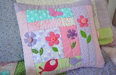 Лоскутные детские подушки, сумочки, книжки с апликациями в стиле пэчворк Maria Sica