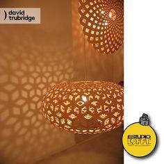 Un #complemento perfecto para cualquier #espacio es una #lámpara pero mejor si es un obra de arte, como es la #ReedFull de David Trubridge. Una lámpara que refleja el diseño de la pantalla creando una atmósfera cálida y original. ¡Ven a Estudio Lofft por tus lámparas de #DavidTrubridge! Visita: www.estudiolofft.com #Navidad2016 #Arquitectura #Decor #DecoraciondeInteriores #DiseñodeInteriores #DiseñoInterior #Furniture #HomeDecor #Interior #InteriorDesign #Interiorismo #México #CDMX