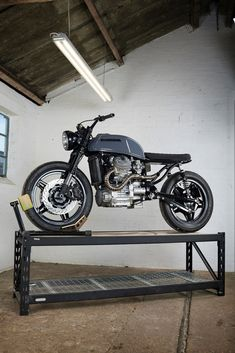 Custom Honda by X-Axis Cx500 Cafe Racer, Cafe Racer Bikes, Honda Cx500, Honda Cb, Custom Bobber, Custom Bikes, Custom Choppers, Cafe Racer Motorcycle, Cruiser Motorcycle
