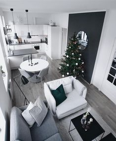 great small apartment interior design ideas you can copy 33 Small Living Rooms, Living Room Designs, Living Room Decor, Small Apartment Interior, Small Apartment Decorating, House Design, Decoration, Home Decor, Celebrating Christmas