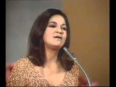 Eurovision Song Contest 1969 - Winner: Frida Boccara, Un Jour, Un Enfant...