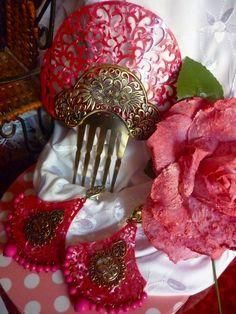 peineta aros y flor flamenco