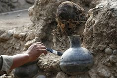 A pre-hispanic vessel was found in the  Pre-Inca tomb recently discovered in Lima, Peru...