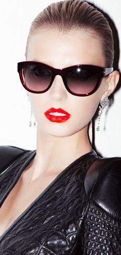 Glasses & Lips