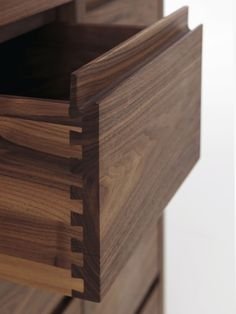 Dovetail by Riva 1920 [DIA 2009 chest of drawers]