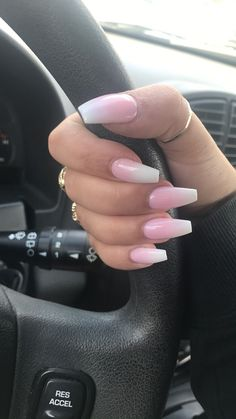 Coffin nails, pink and white ombré #almondshapednails #pinkandwhitenails