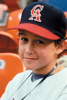 watching an old childhood movie..angels in the outfield..and realized this was a young joseph gordon levitt!!! obsessed with him!!