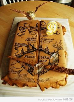 Harry Potter Marauder's Map cake- I solemnly swear that I am up to no good. i am probably more obsessed with Harry Potter than I should be Gateau Harry Potter, Harry Potter Fiesta, Cumpleaños Harry Potter, Harry Potter Birthday Cake, Harry Potter Marauders Map, Marauders Era, Harry Potter Cupcakes, Map Cake, Cake Art