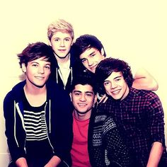 One Direction! (Niall, Louis, Liam, Zayn, and Harry) One Direction Facts, One Direction Pictures, I Love One Direction, Harry Edward Styles, Harry Styles, Irish Boys, James Horan, Favim, Latest Music