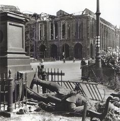 Leipziger Platz.. Kaufhaus Wertheim.. 1945