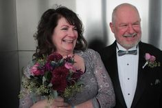 100 couples get married and renew their vows on the 86th floor of the Empire State Building on Valentine's Day.