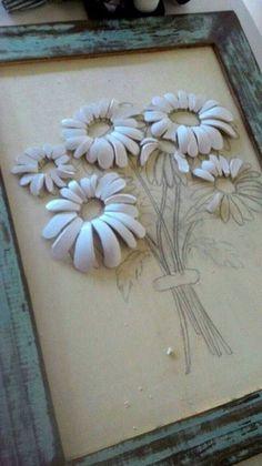 Faça você mesmo - mosaico picassiette ou pique assiette Clay Wall Art, Mosaic Wall Art, Mosaic Diy, Mosaic Crafts, Mosaic Glass, Glass Art, Mosaic Flowers, Ceramic Flowers, Clay Flowers