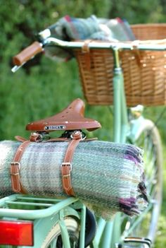 Recycled Wool Picnic Rug and Straps, vintage Dutch bicycles from BEG - Great way to carry a blanket for a picnic :)