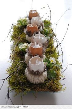 Egg candle Easter or spring decor: make hand knitted cords, wrap these around sm. Mason Jar Flower Arrangements, Mason Jar Flowers, Flower Pots, Rustic Christmas, Christmas Wreaths, Christmas Ornaments, Christmas Wrapping, Candle Making Business, Small Cards