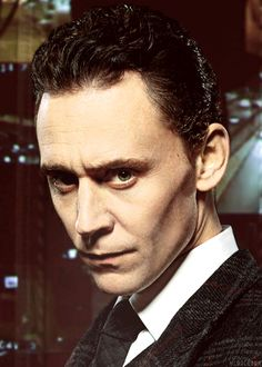 He looks like a sinister mob boss or something in this pic... Is it bad to say that I like it? Loki Laufeyson, Loki Thor, Thomas Sharpe, Men's Toms, My Tom, Thomas William Hiddleston, Tom Hiddleston Loki, Sensual, Hugh Jackman