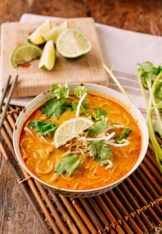 Curry Mee with chicken and noodles : asian, soup