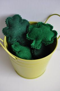 Patrick's Day Lucky Pocket Sneakers - green felt stuffed lucky charms ~ From ♫ Sew Lah Tea Dough ♫ Happy March, Sewing Studio, Lucky Charm, Learn To Sew, St Patricks Day, Crafty, Tea, Cool Stuff, Thursday