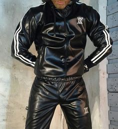 Mens Leather Pants, Tight Leather Pants, Pu Leather, Adidas Fashion, Mens Fashion, Look Adidas, Latex Men, Comfy Pants, Nylons