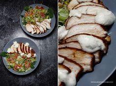 Pierś z kurczaka - co zrobić żeby została soczysta? Pieczona pierś z kurczaka - zawsze wilgotna, sprężysta i upieczona ' w punkt'.