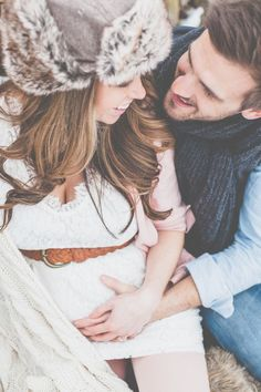 A great maternity shoot during winter.