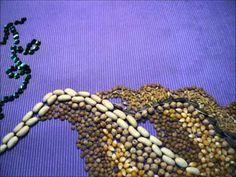 Este video-cómic muestra una de las tradiciones típicas del Norte Argentino, consiste en representar una imagen aplicando la técnica de collage con elementos naturales de la zona. Friendship Bracelets, Jewelry, Appliques, Art, Jewlery, Bijoux, Jewerly, Jewelery, Friendship Bra