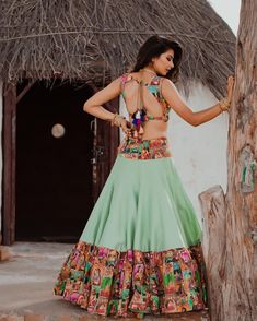 Green Navratri Lehenga With Backless Lehenga Blouse Design. Choli Designs, Fancy Blouse Designs, Lehenga Designs, Saree Blouse Designs, Blouse Patterns, Garba Dress, Navratri Dress, Lehnga Dress, Lehenga Blouse