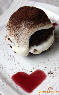 Sevgiliye AŞK DOLU bir kek:) , Cake Recipes, Kek Tarifleri, Kekler, www.yemekevi.tv, www.facebook.com/YemekeviTV, www.twitter.com/yemekevitv, www.youtube.com/user/fvayni