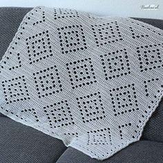 'Boho Baby Blanket'. This free filet crochet pattern is now up on the blog. I used my new favorite yarn from @yarnandcolors 'Epic'. (Link in profile) . . #crochetgirlgang #haaknerd #crochetgeek #fiberartist #freecrochetpattern #crochetconcupiscence #crochet #crochetpattern #crochetersofinstagram #instacrochet #igcrochet #crocheting #crochetproject #haken #hakeniship #hekle #crochetblanket #virka #filetcrochet #tejer #hækling #crochê #yarn #yarnaddict #yarnart #yarnlover #ilovecrochet…