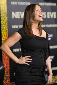 New mom Alyssa Milano wows at New Years Eve premiere