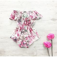 The adorable floral fabric is perfect for the little lady in your life! Classy and pretty. This off the shoulder romper is a super stylish and a comfortable fit for baby, made in gorgeous floral chiffon fabric. Perfect summer and spring style for your little fashionista. ♡ GORGEOUS HANDMADE ITEMS FOR YOUR LITTLE MISS. ( Size 0000 - 5 years.) ♡ This is item is made to order. Please leave a note of which size you require when checking out. ♡ Fabric pattern placement and shape may ...