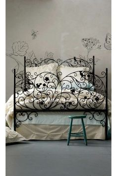 I love this bed....and the walls....but really love this bed!